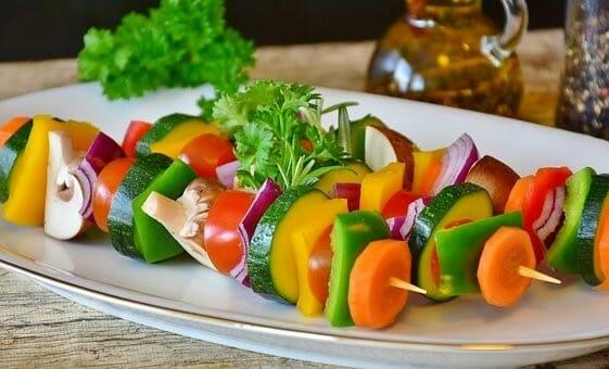 Lebendigkeit macht lebendig: frische Gemüsespieße
