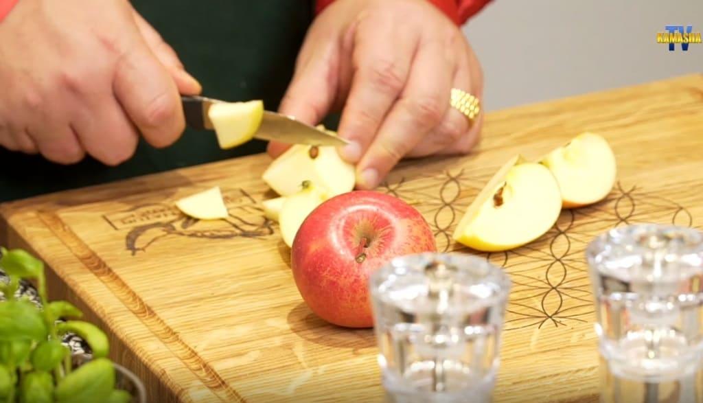 auch Äpfel wollen liebevoll geschnitten werden
